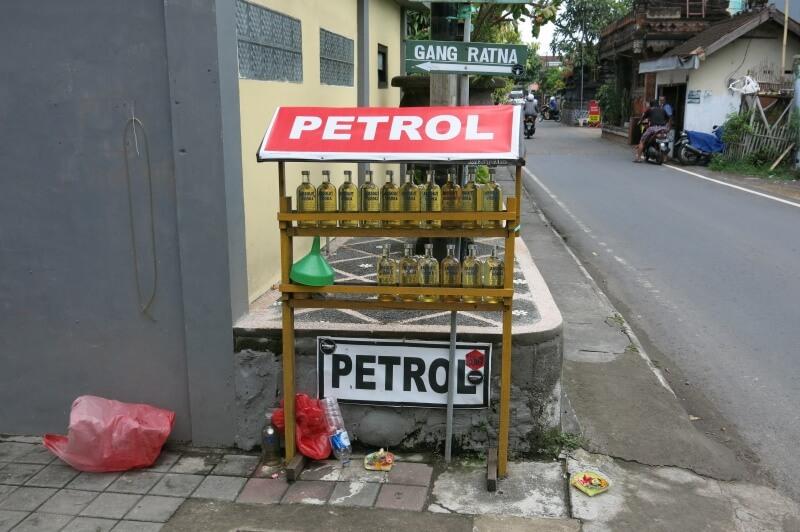 Aj autá potrebujú piť