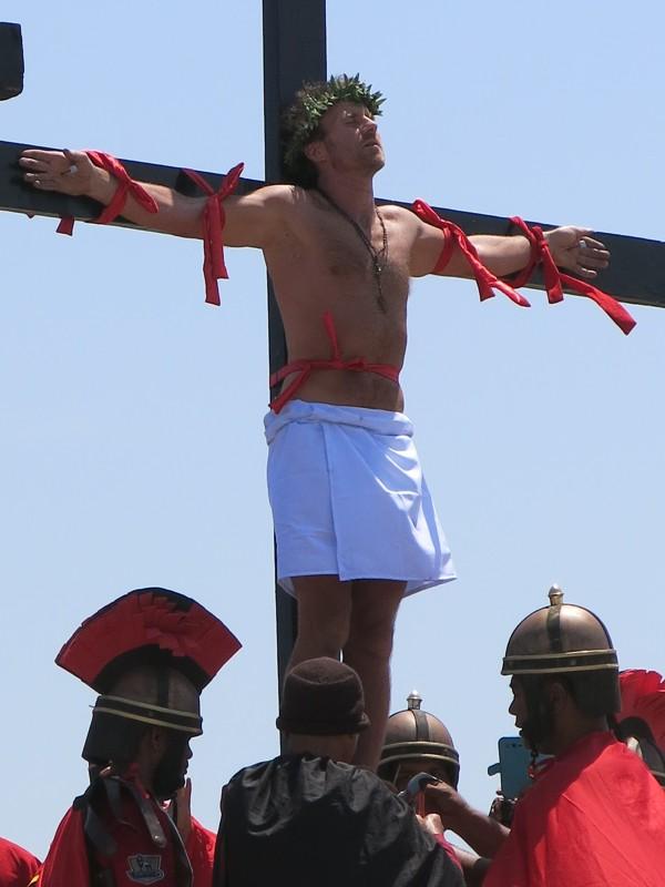 Prvý beloch na kríži na Filipínach
