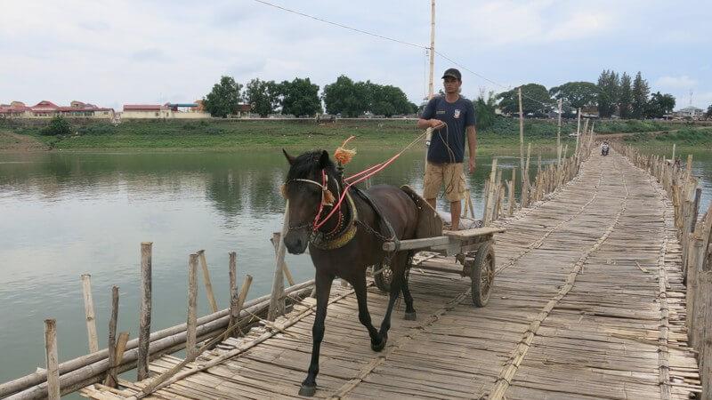 Most v Kampung Cham (Kambodža)