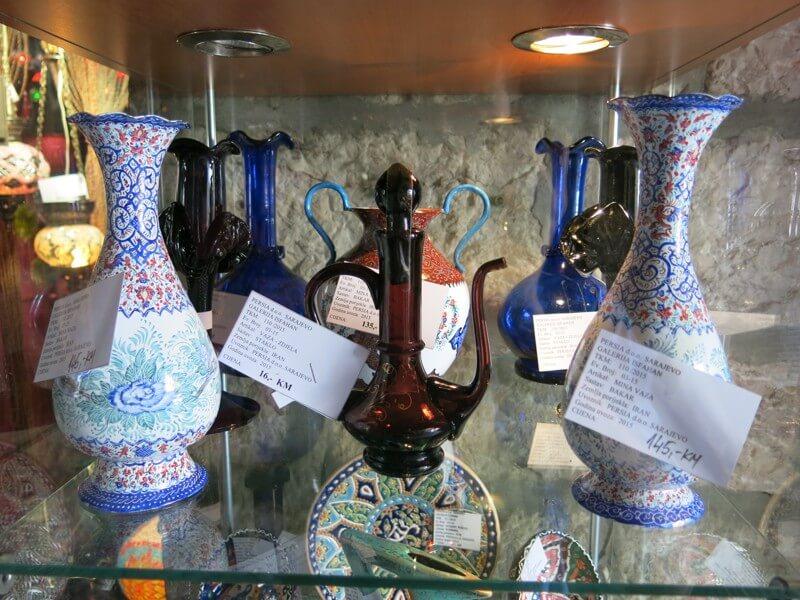 Isfahánske medené vázy na predaj (tie zdobené)